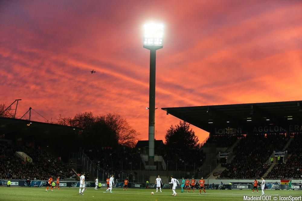Lorient va changer sa pelouse cet été.