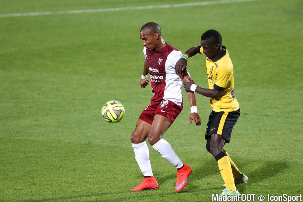Idrissa Gueye plait beaucoup à la Premier League.