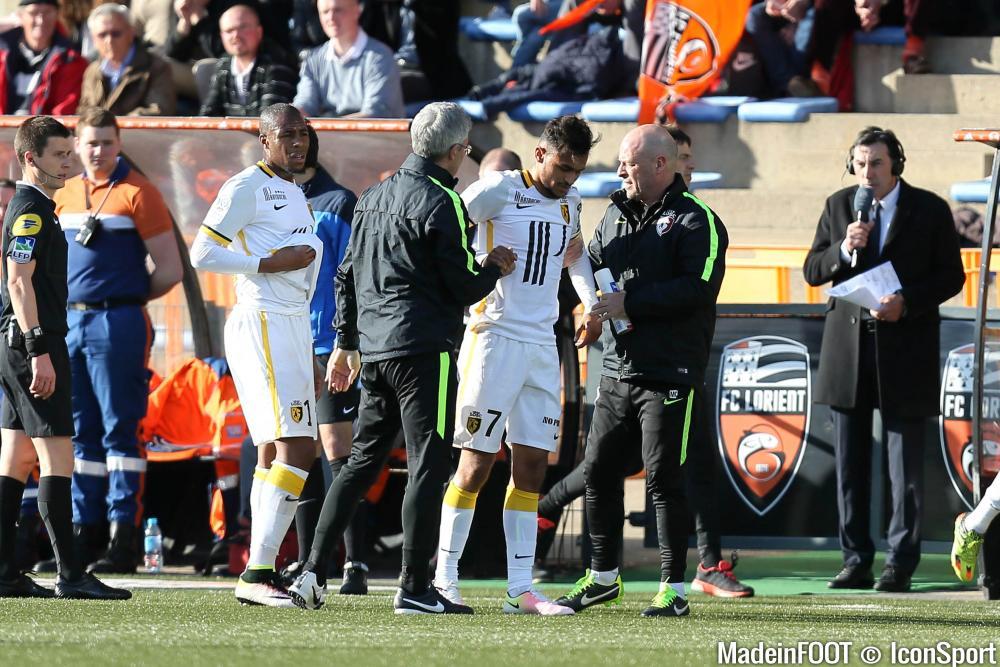 Sofiane Boufal (LOSC) s'est blessé au genou à Lorient.