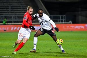 L'album photo du match entre le Nîmes Olympique et le Lille OSC.