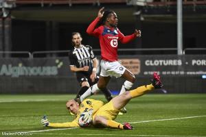 L'album photo du match entre le SCO Angers et le Lille OSC.