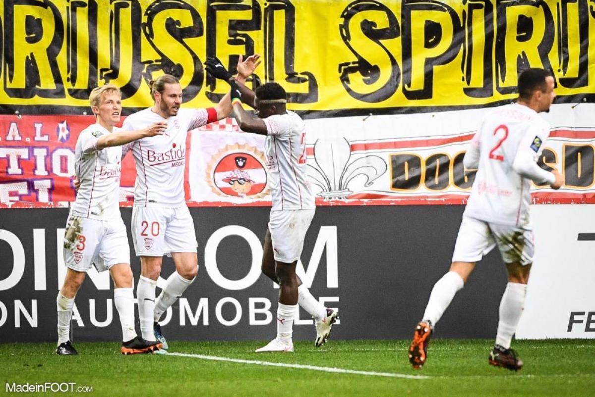 Le Lille OSC s'est incliné face au Nîmes Olympique (1-2), ce dimanche après-midi en Ligue 1.