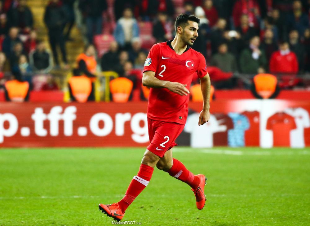 Zeki Çelik sous le maillot de la Turquie